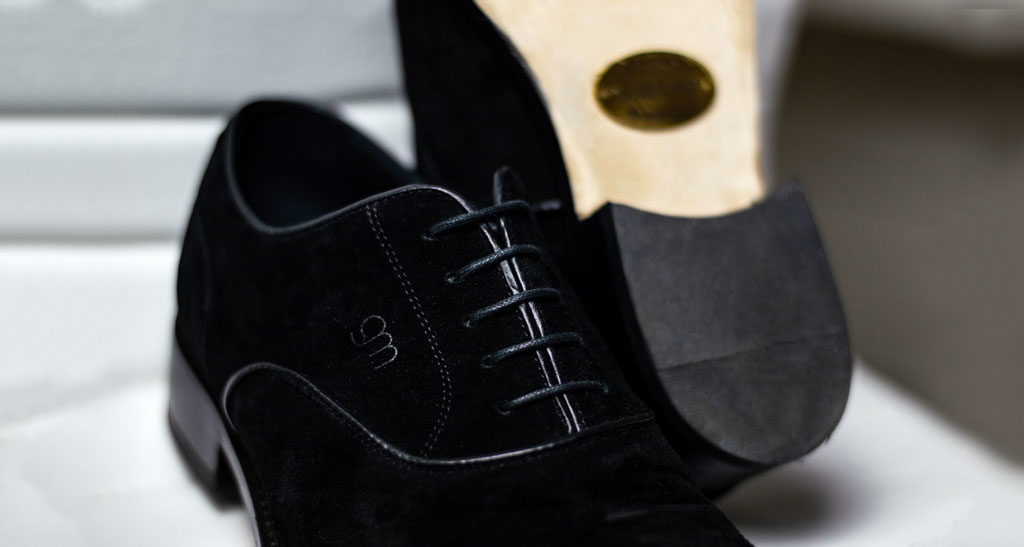 c1f769e2d8a Business Meeting  the elevator shoes to wear to get you to the top